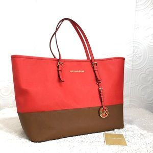 🌸OFFERS?🌸 Michael Kors Two Tone LargeTote